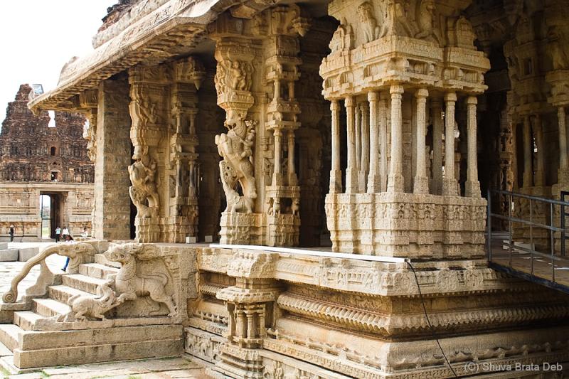 Beatutiful pillas of Vittala temple