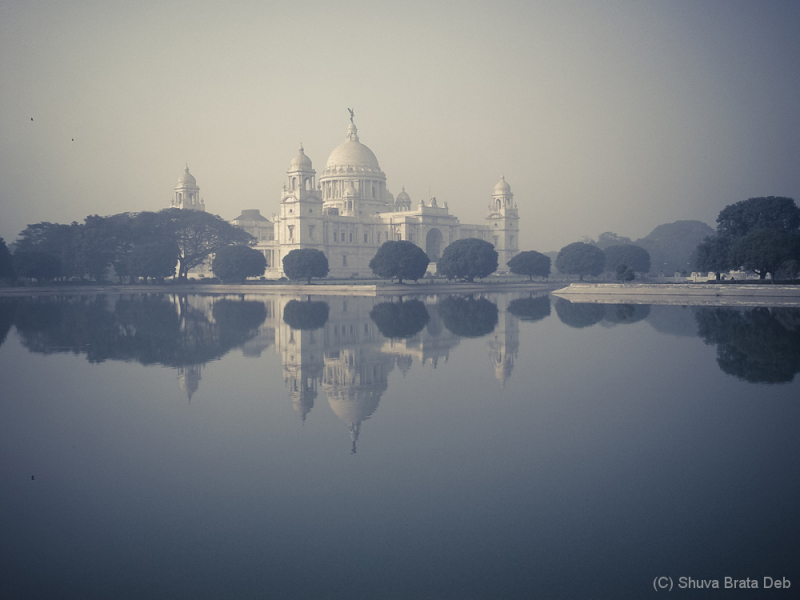 Victoria Memorial in the fog