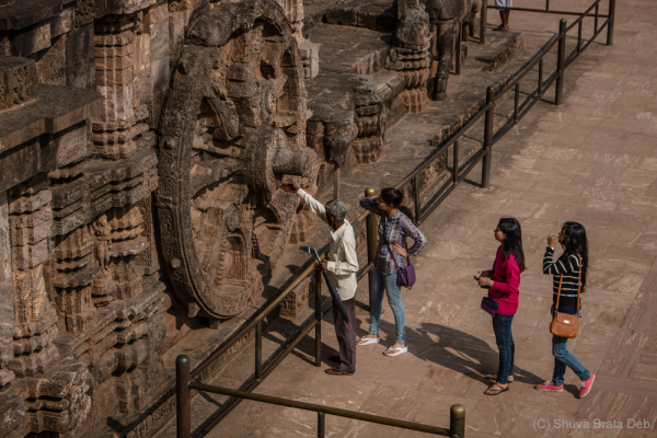 Guided tour at the Kamasutra temple of Konark