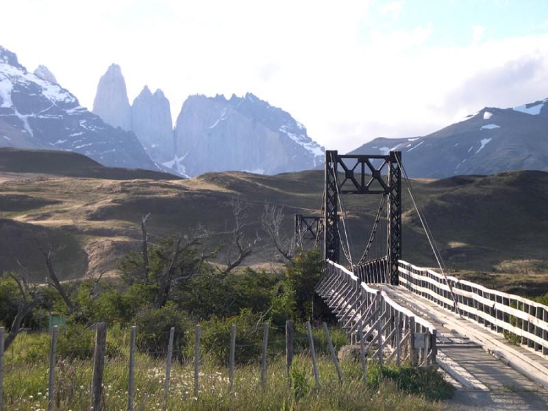 The wood bridge (general view)