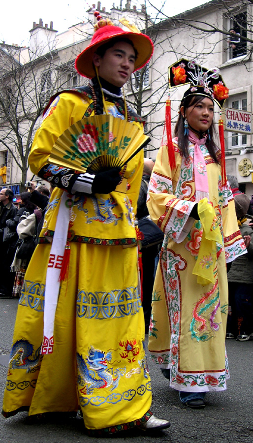 Traditional chinese couple