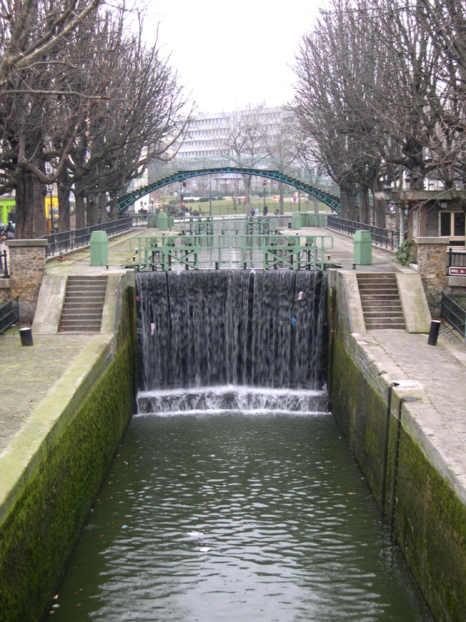 General vue of canal saint Martin