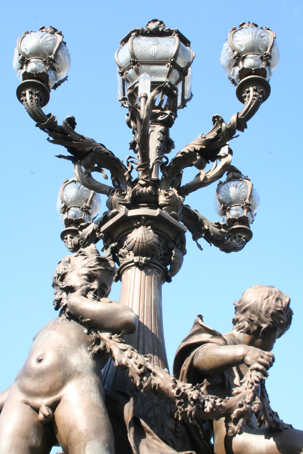 Alexandre III bridge streetlight
