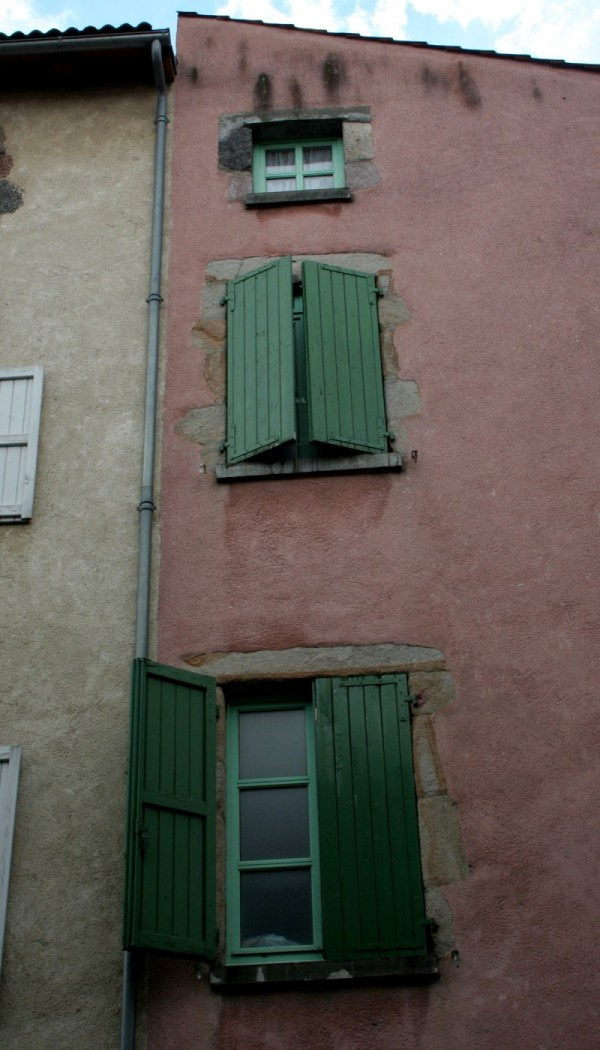 3 windows vertical