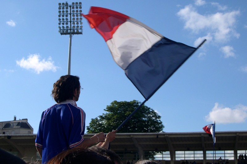 The supporter and the flag