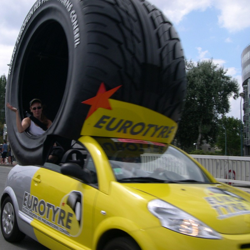 The funny cars of Le Tour de France - 4