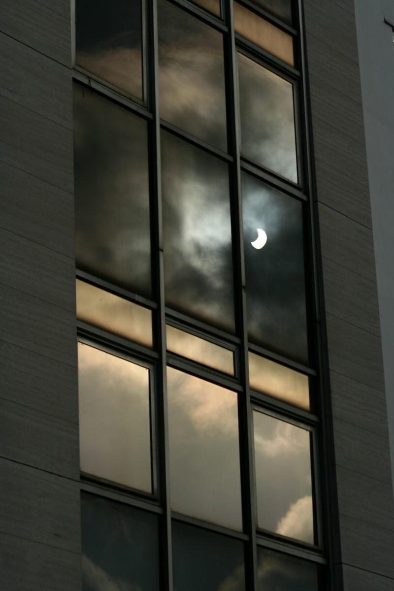 Solar eclipse II : the return.