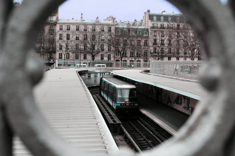 Metro, ligne 1, Paris, Bastille.