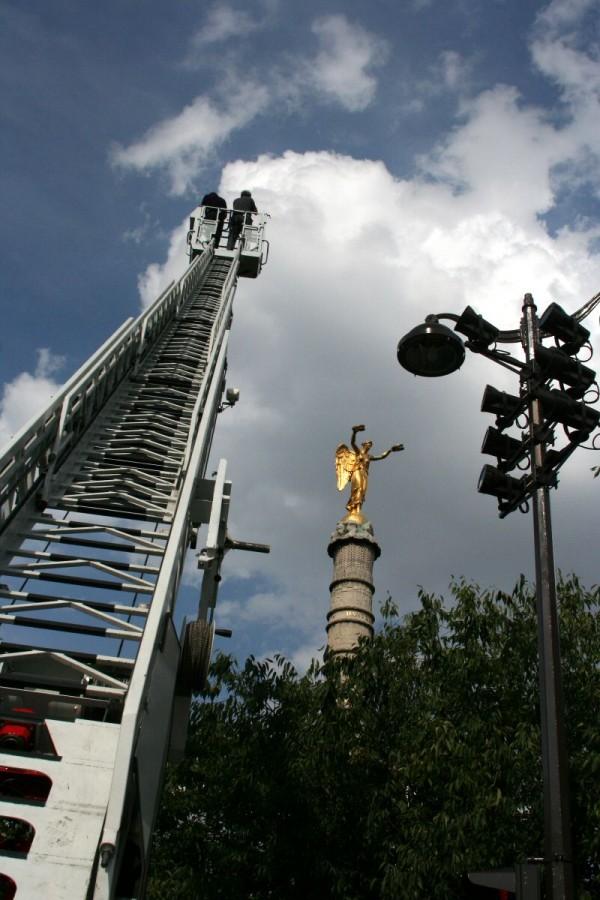 PLace du Chatelet statue