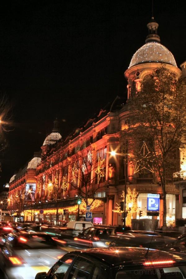 red Christmas illuminations Haussmann