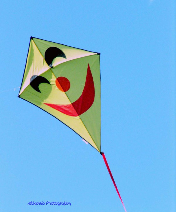 smile, kite, flying, summer, sky, yellow, blue