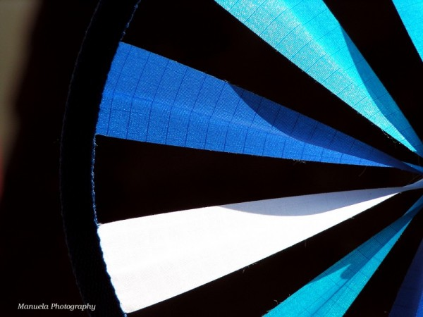 blue wheel strips wind summer