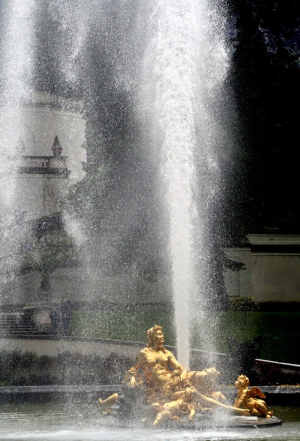 palace linderhof gardens fountain germany amor