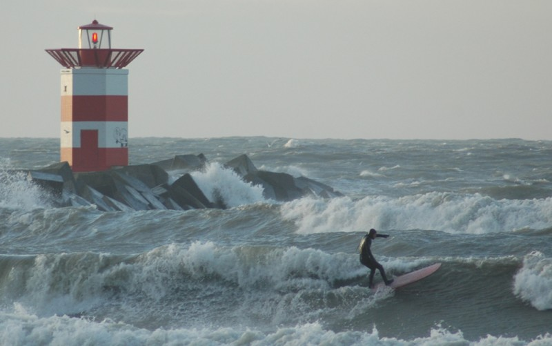 Crazy dutch surfer