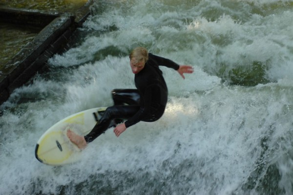 Surfer in Munich city