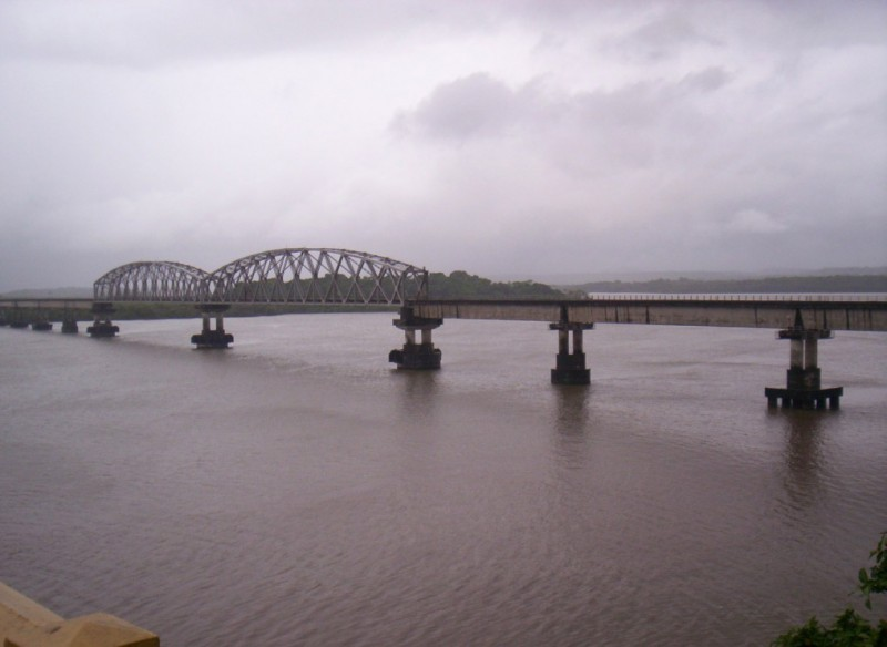 Konkan Railway bridge over the Zuari River goa