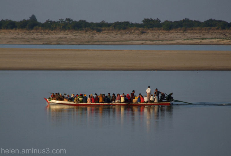 A spot of colour on the Ayeyarwady