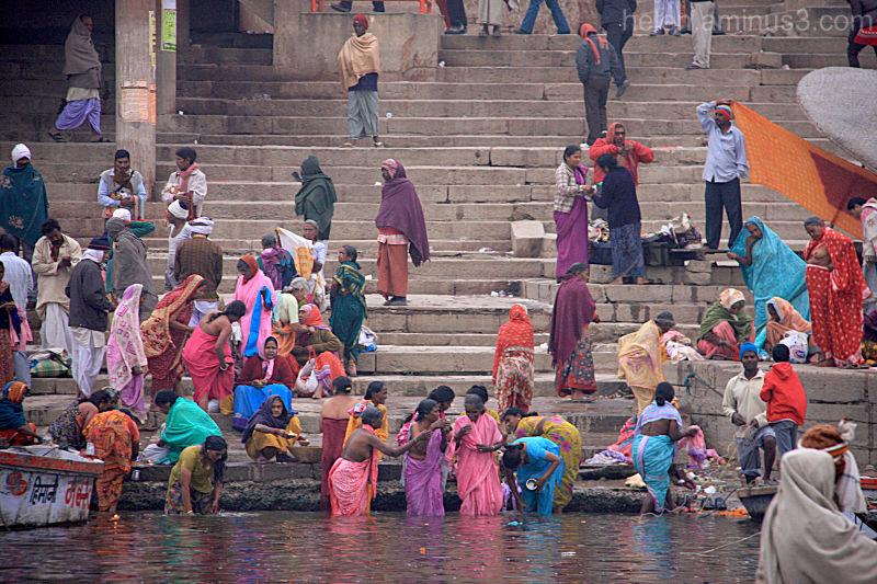 Women bathe in the Ganga