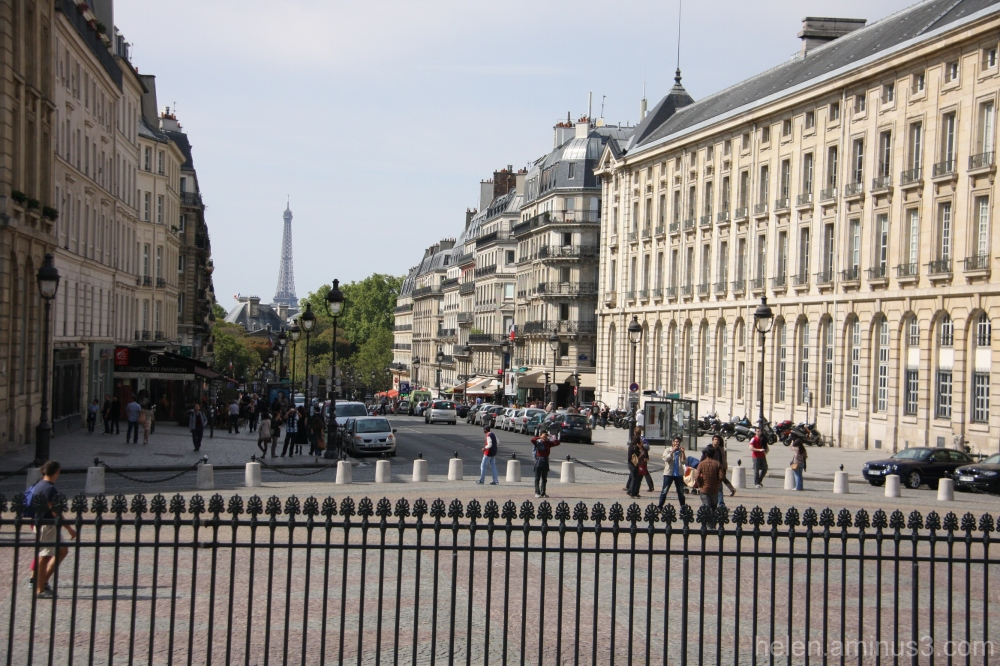 Down to Boulevard St. Michel