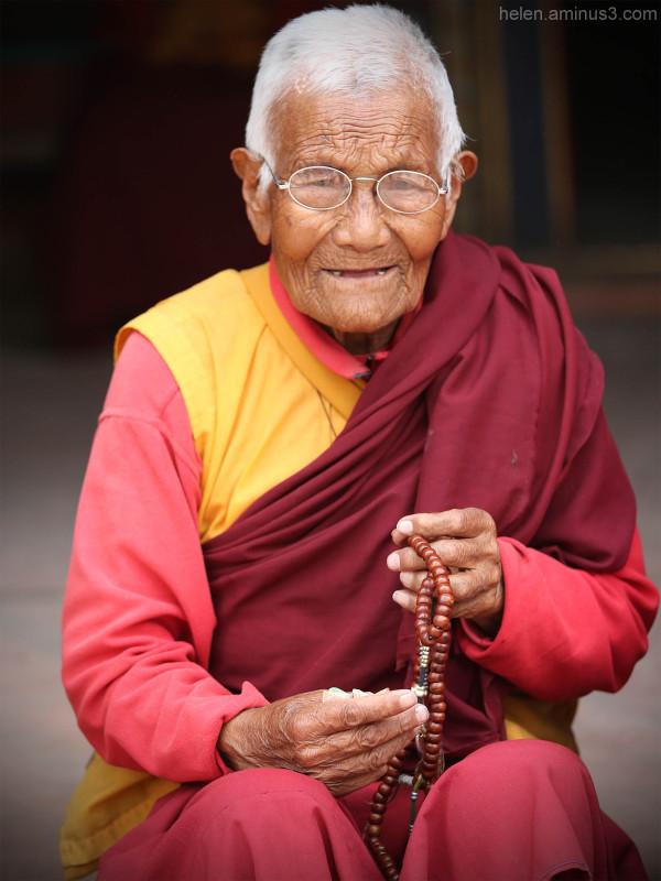 Old Tibetan nun