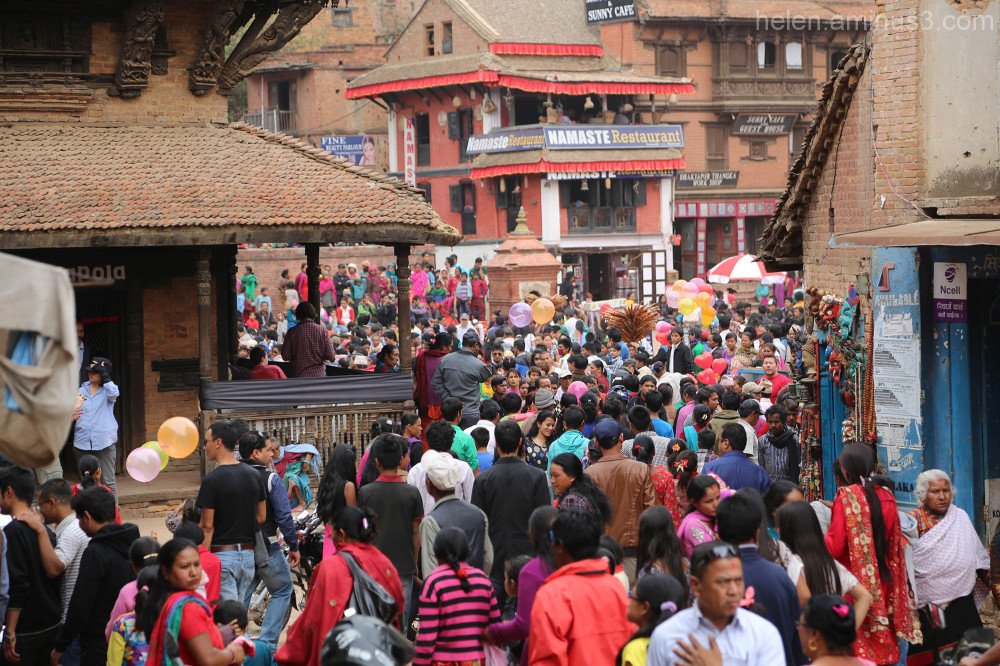 Crowds arriving for the Bisket Jatra festival