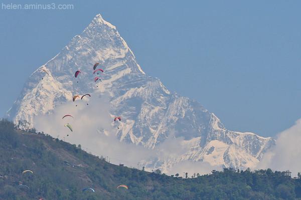 Annapurna hang gliding