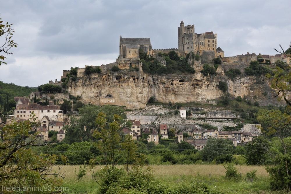Beynac-Cazenac: feudal fortress