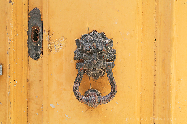 Door Knockers: 9