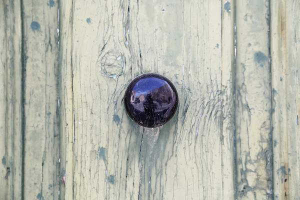 Door Knockers: 11
