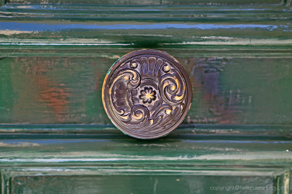 Door Knockers: 12