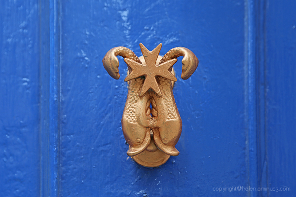 Door Knockers: 14