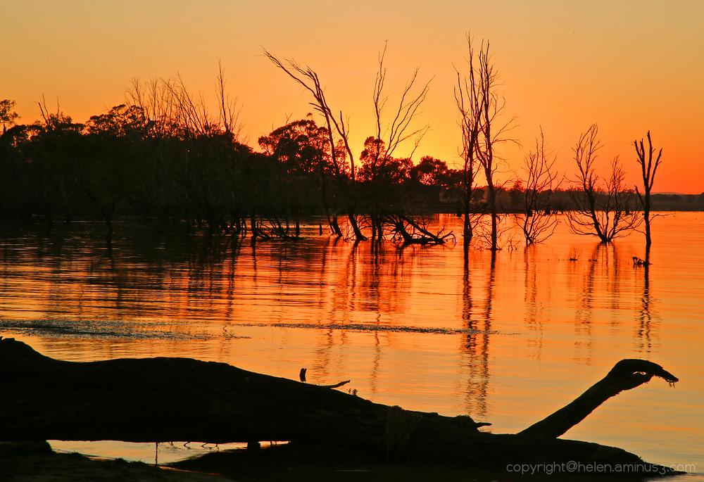 Sunrise at Lonsdale Lake