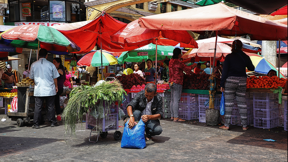 Quiapo street corner 4