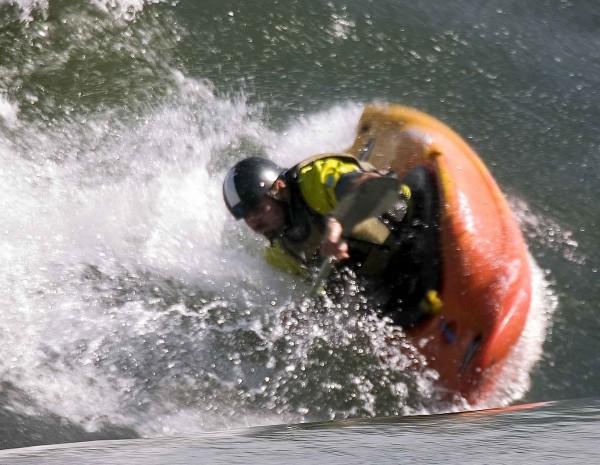 Kayak on the wave
