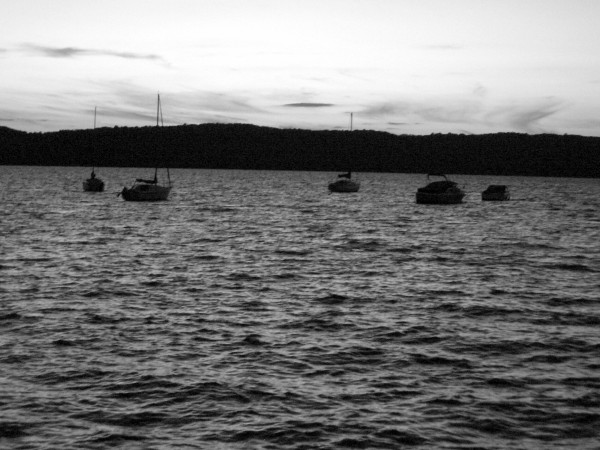 B&W Eve at hudson river