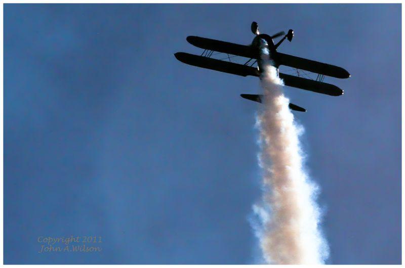 Salinas airshow bi-plabe stunter