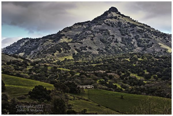 San Benito county houses on mountainside