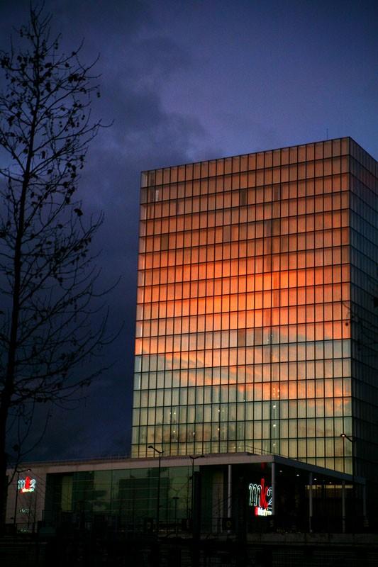 MnX photo sunset architecture