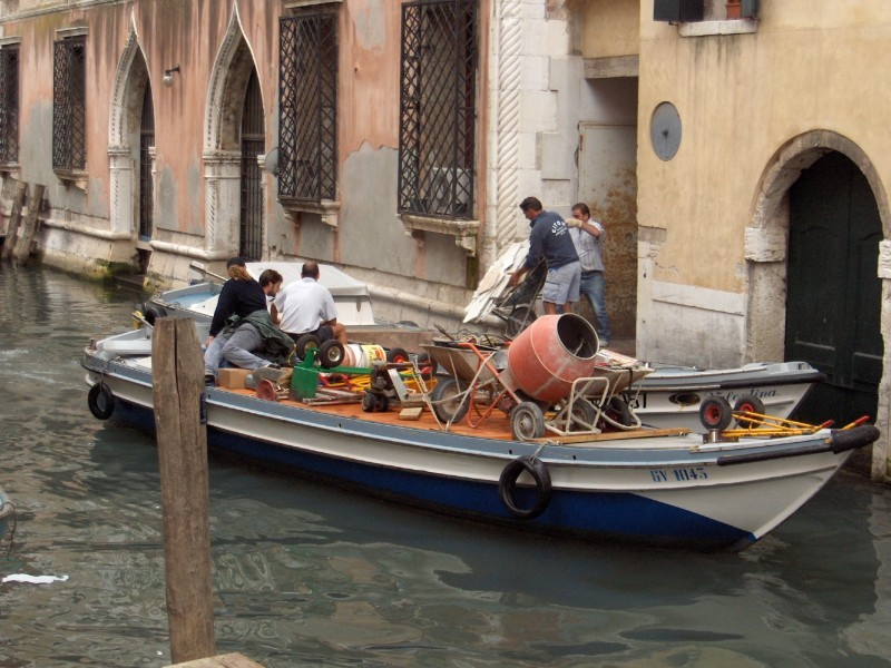 Workers, Venice
