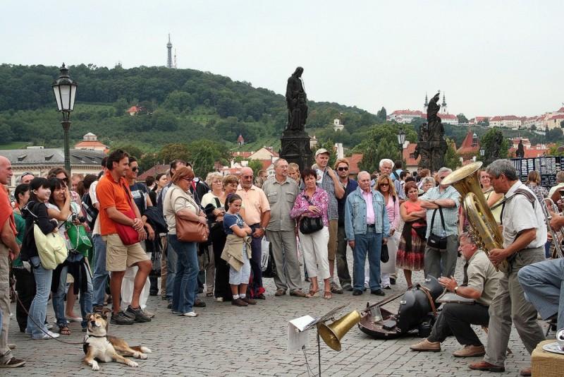 Nas pontes de Praga... música!