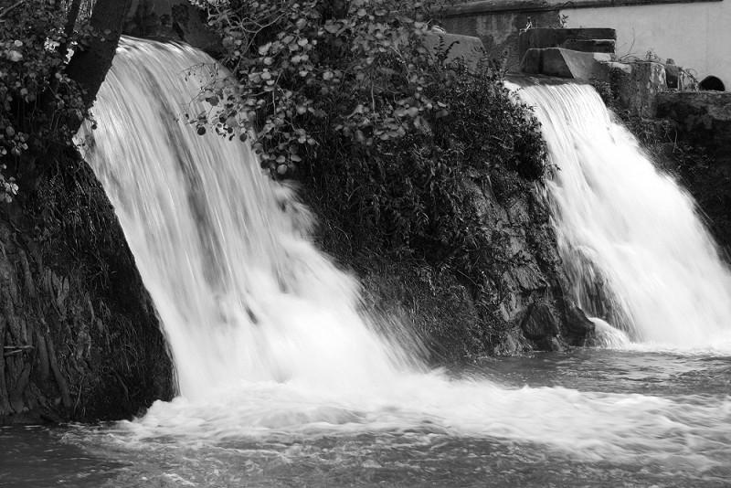 leiria riolis rio cascata bw