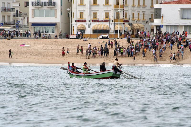 mar praia nazare pesca pescador barcos