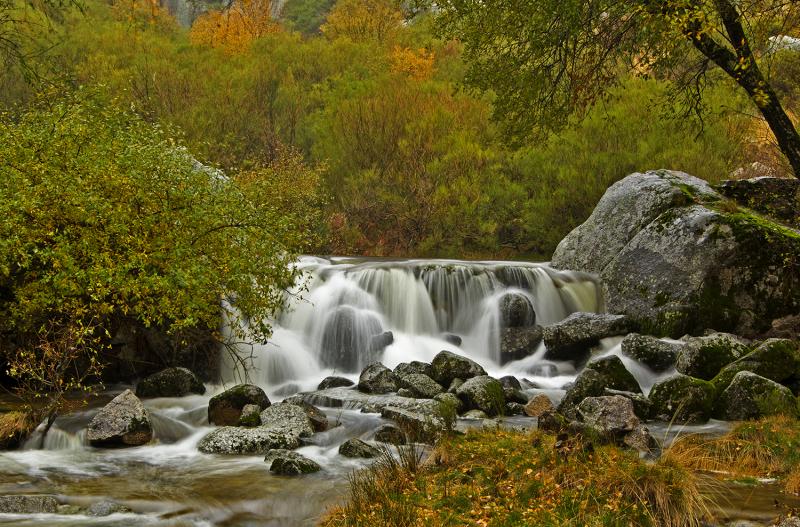 serraestrela outono covão-da-ametade cascata