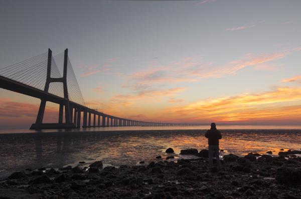 sunrise ponte rio tejo luis lisboa