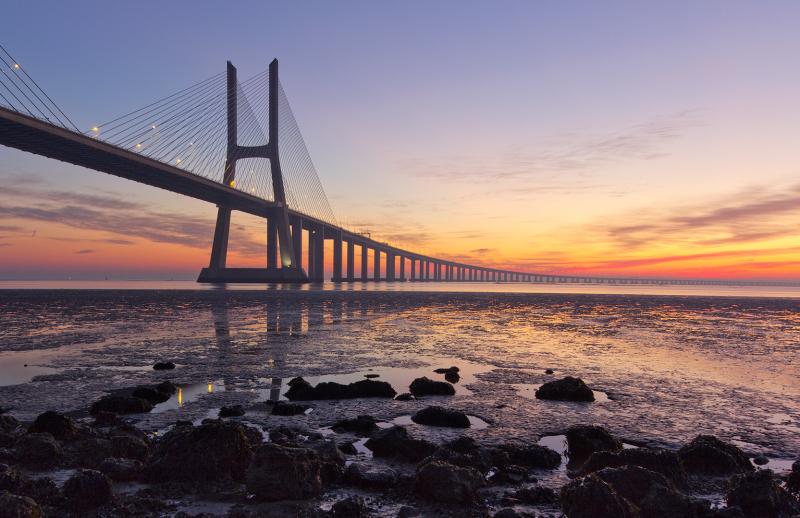 sunrise ponte rio tejo lisboa