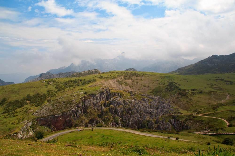 ercina  espanha picos-da-europa nevoeiro