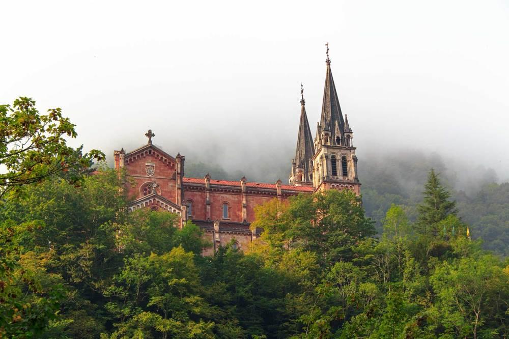 picos-da-europa covadonga nevoeiro espanha
