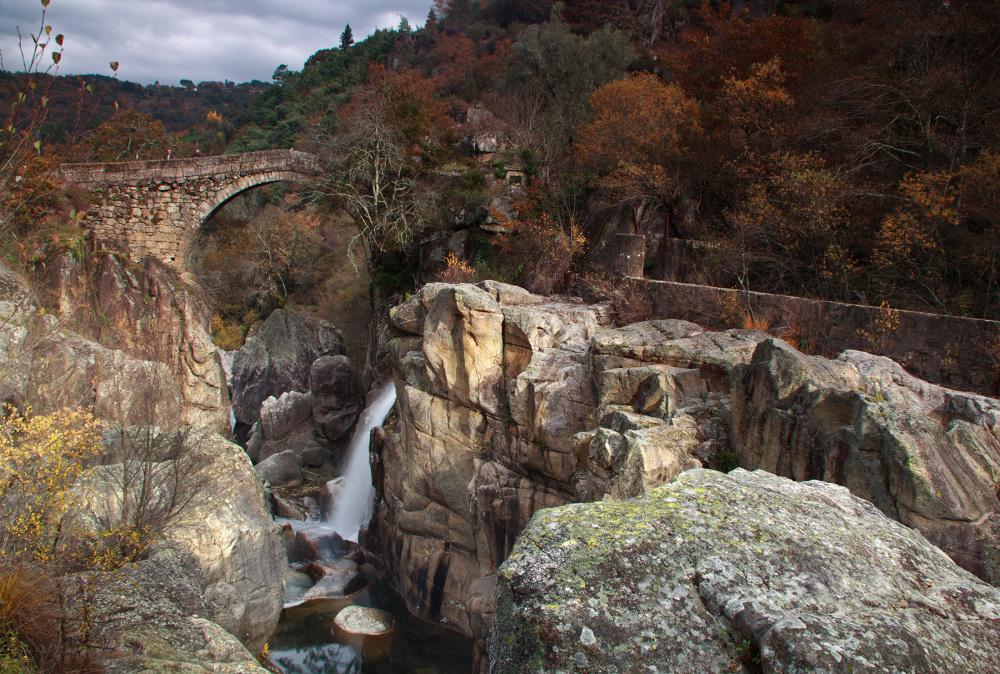peneda-gerês outono ponte-da-misarela rio