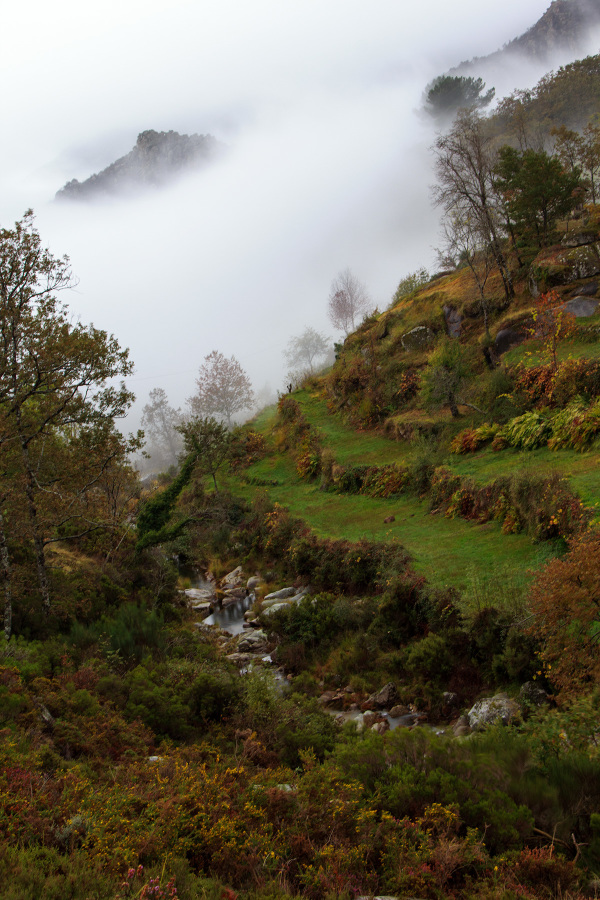 alvão outono montanha sunrise nevoeiro rio