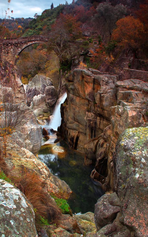 peneda-gerês outono ponte-da-misarela rio rio-raba